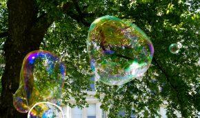 4-Giant-Bubbles