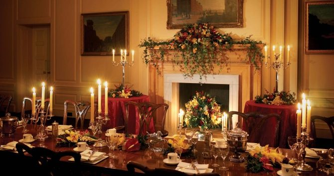 Luncheon-Room-Christmas2-670×380