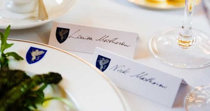 Table-Setting-Name-Cards-670×380